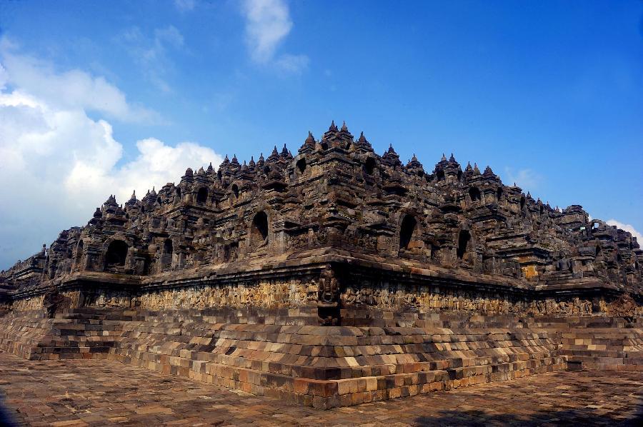 高清组图:印尼的婆罗浮屠佛塔和巴兰班南神庙