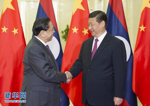 习近平会见老挝人民革命党中央总书记、国家主席朱马里