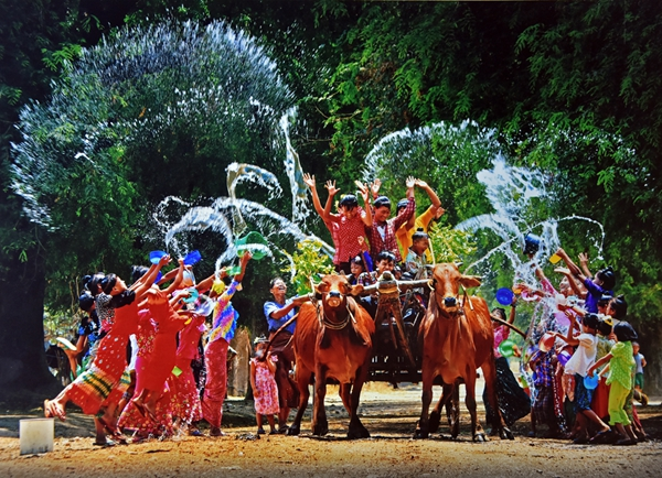 泼水节——最受缅甸人喜爱的节日(图)