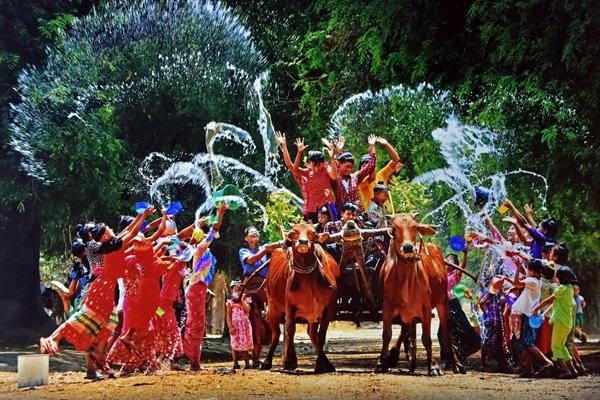 Thingyan Festival, most enjoyable festival in Myanmar (provided by Myanmar Embassy in Beijing)