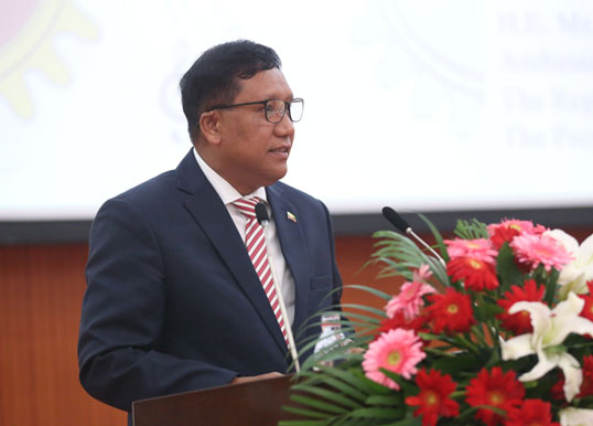 """""""The Lecture Series on ASEAN-China Relations"""" Successfully Held at Zhengzhou University (2019-06-05)"""