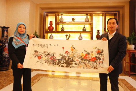 ACC Organised a Familiarisation Trip for AMS Embassy Officials and Journalists Stationed in Beijing to Visit Shaanxi