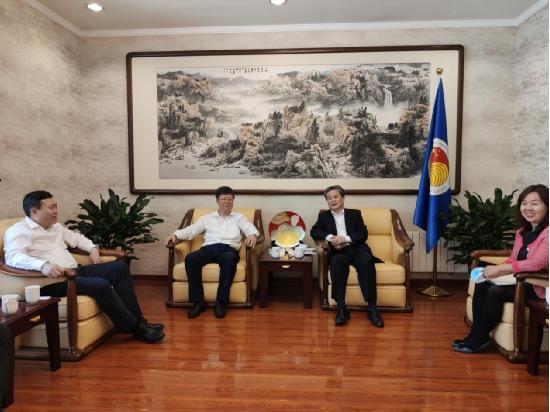 陈德海秘书长会见南京工业大学党委书记芮鸿岩