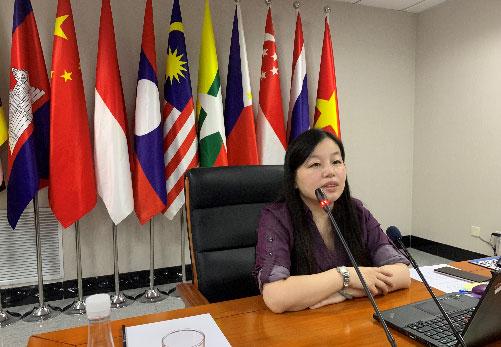 汪红柳主任与对外经贸大学师生进行线上交流