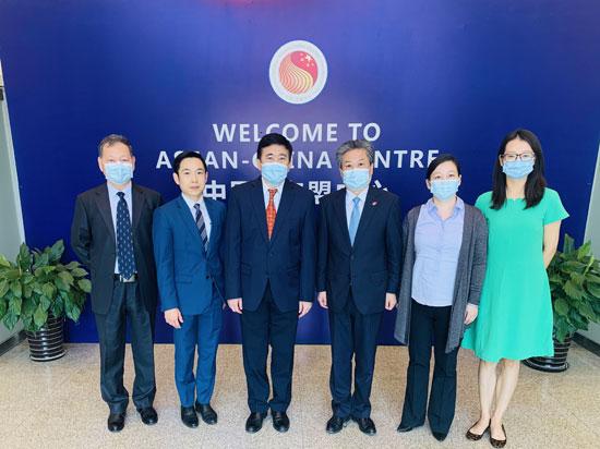 陈德海秘书长会见泰国驻华大使阿塔育