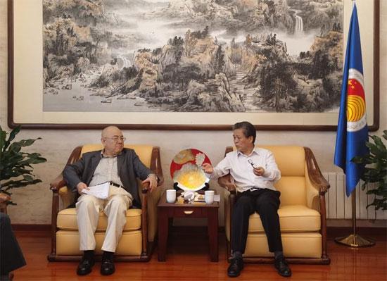 陈德海秘书长会见刘光溪会长