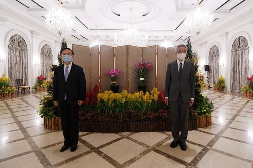 杨洁篪会见新加坡总理李显龙