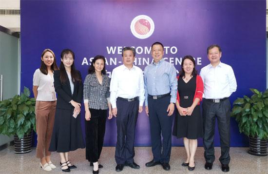 陈德海秘书长会见联合国工业发展组织投资和技术促进办公室主任武雅斌