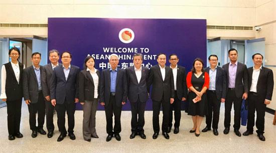 陈德海秘书长会见越南驻华大使范星梅