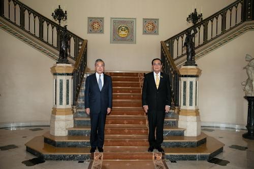 泰国总理巴育会见王毅