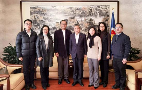 陈德海秘书长会见昆明市外办主任张晓明