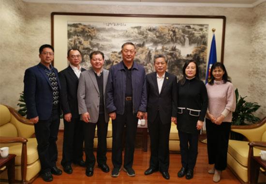 陈德海秘书长与中国机电产品进出口商会张钰晶会长进行工作交流
