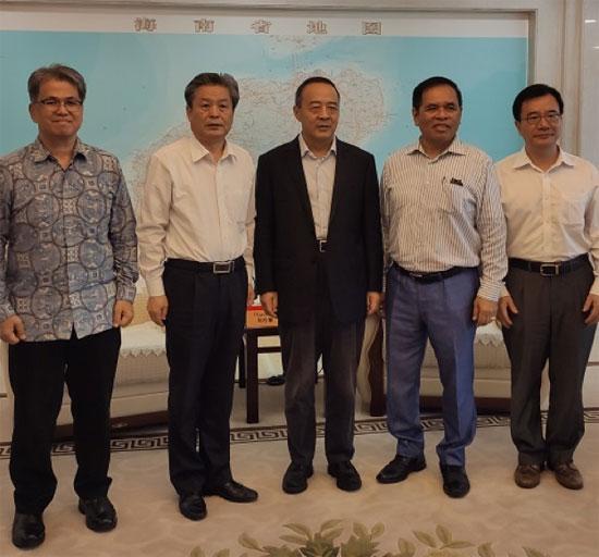 海南省常务副省长毛超峰会见印度尼西亚驻华大使周浩黎一行