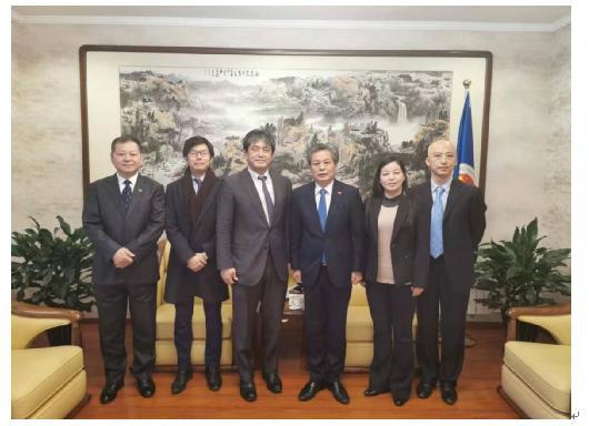 陈德海秘书长会见日本驻华使馆公使七泽淳