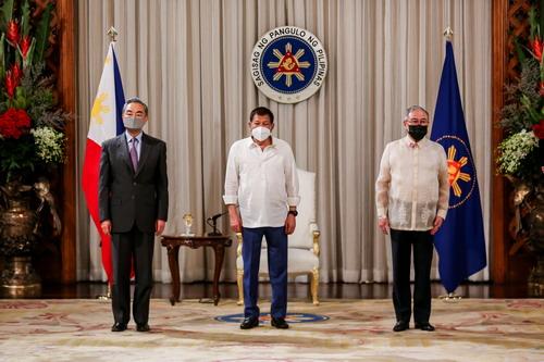 菲律宾总统杜特尔特会见王毅