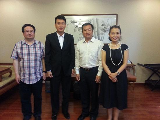 教育文化旅游部主任会见南宁市民族文化艺术研究院院长