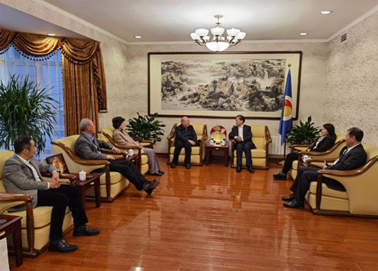 陈德海秘书长与中国太平洋经济合作全国委员会会长詹永新工作交流