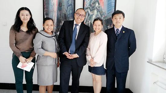 中国—东盟中心新闻公关部主任会见印尼驻华使馆参赞共商2015年合作项目