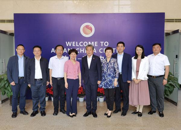 陈德海秘书长会见贵阳市政府代表团一行