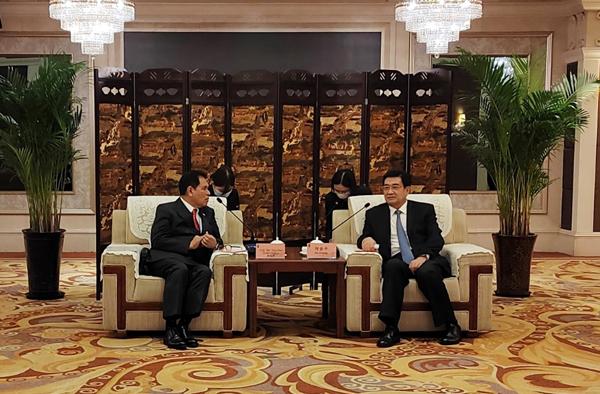 陈德海秘书长参加河南省副省长何金平会见东盟国家驻华使节活动