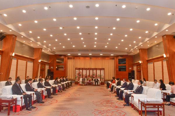 中国—东盟中心组织东盟国家驻华使节参访洛阳
