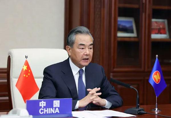 王毅出席中国—东盟国家外长会