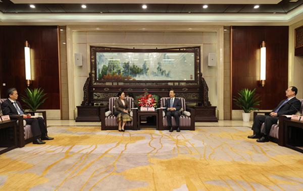 Hunan Provincial Leaders Met with Ambassador Khamphao and Secretary-General Chen Dehai