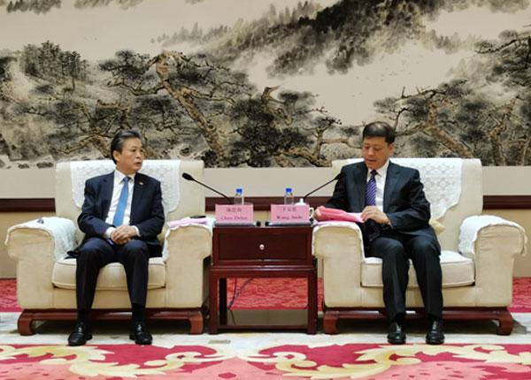 临沂市委书记王安德会见中国—东盟中心秘书长陈德海