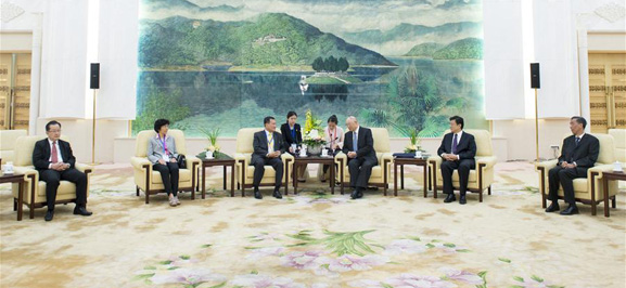 CPPCC official meets Thai youth delegation in Beijing